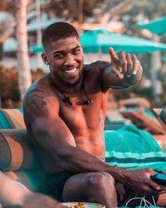 Boxing Anthony Joshua, Athletic Body, Athletic Men, Gorgeous Black Men, Beautiful Men, Hot Black Guys, Hot Guys, Attitude, Hair