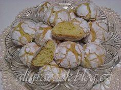 Popraskané kokosové sušenky | STRÁNKY O VAŘENÍ A PEČENÍ Cookies, Desserts, Food, Crack Crackers, Tailgate Desserts, Deserts, Biscuits, Essen, Postres