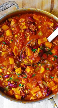 Delicious Butternut Squash, Bean, and Beef Chili – perfect combination of flavors! Perfect recipe for the Fall!