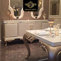 dining tables Woman Jackets and Blazers mountain hardwear monkey woman jacket women's Royal Furniture, Classic Furniture, Home Decor Furniture, Luxury Furniture, Modern Furniture, Furniture Design, Dinning Table Design, Dining Room Table Decor, Elegant Dining Room