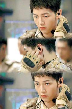 Song Joong-ki as Yoo Shi-jin Descendants of the s Asian Actors, Korean Actors, Song Joong Ki Dots, Soon Joong Ki, Decendants Of The Sun, Sun Song, Songsong Couple, W Two Worlds, Kim Ji Won