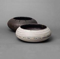 Bol en bois by Janua design Stefan Knopp Wood Bowls, Wood Lathe, Pottery Vase, Wood Sculpture, Wood Turning, Scandinavian Design, Ceramic Art, Decorative Accessories, Decorative Bowls