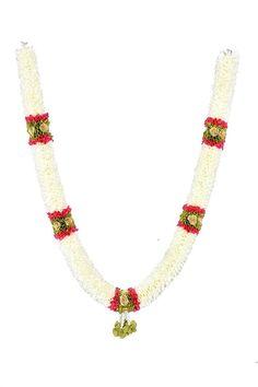 Christmas Flower Decorations, Indian Wedding Decorations, Temple Wedding, Wedding Night, Indian Party, Indian Festivals, Beaded Bracelets, Beaded Necklace, Garland Wedding