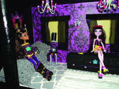 Free Printable Monster High Dollhouse | Monster High Dolls MOVE IN