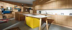 Rust en warmte komen duidelijk naar voren in deze Duitse design keuken. Bij de vormgeving van deze moderne keuken nam Next125 de schoonheid van de natuur als uitgangspunt. Deze keuken is voorzien van ruwgezaagde, greeploze houten fronten.