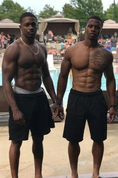 How to build muscle fast without fat. Get ripped, Get shredded and break through any muscle building plateau. Hot Black Guys, Fine Black Men, Gorgeous Black Men, Cute Black Boys, Handsome Black Men, Fine Men, Beautiful Men, Dark Man, Corps Fitness