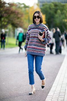 """Eu sempre preferi e usei muito a modelagem skinny; é de longe a minha favorita. Mas confesso que desde o início do ano, após ver """"zilhões"""" de fotos de street style com esse novo modelo, eu me apaixonei e resolvi dar espaço no closet aos jeans cropped e flare. Sim, são os dois estilos em …"""