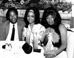 SamCooke known keep the beautiful women! Seated here with Tammi Terrell who made mega hits with the late Marvin Gaye along with Betty Harris. Music Icon, Soul Music, Indie Music, Tammi Terrell, Vintage Black Glamour, Musica Popular, Black History Facts, Provocateur, Takayama