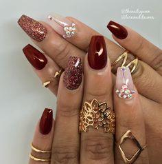 """Inspired by @solinsnaglar -- @lareinadelasunas --------------------------------------------#nails #nailart #notpolish #naildesigner #tampanails…"""