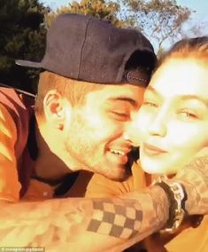 Gigi Hadid wasted no time showering her boyfriend Zayn Malik with affection as she publicly declared her love for the former One Direction star while marking his birthday on Friday. Gigi Hadid Und Zayn, Gigi Hadid And Zayn Malik, Ryan Reynolds, Blake Lively, Zayn Mallik, Klum, Romance, Famous Couples, Liam Payne