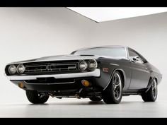 Automotive Photography Tips and Trick - 1971 Dodge Challenger RT Muscle Car