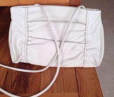 SADDLE RIVER Ivory LUSTRE GENUINE LEATHER SHOULDER BAG PURSE Excellent Condition