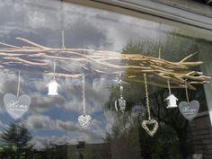 DIY raam decoratie. En het is te koop! Oud & Hip http://verkopers.marktplaats.nl/1347518