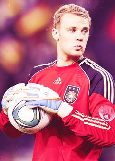 Manuel Neuer, one of the best in the game.