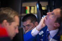 Wall Street azeda com Payroll e atenção para o Federal Reserve - http://po.st/oaP6eP  #Bolsa-de-Valores - #Dow-Jones, #Empregos, #Eua, #Payroll