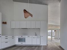 Geviert - Wohnüberbauung in Näfels Awards, Kitchen Cabinets, Architecture, Home Decor, Ground Floor, Dark Wood Trim, Light Oak, Front Courtyard, Wood Facade