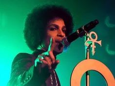 "22 mentions J'aime, 2 commentaires - PRINCE LIVE THE BEST (@princelivethebest) sur Instagram : ""@prince #prince"""