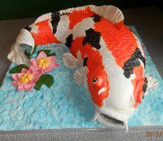koi carp cake Fish Cake Birthday, Man Birthday, Just Cakes, Cakes For Boys, Gorgeous Cakes, Amazing Cakes, Goldfish Cake, Anti Gravity Cake, Fondant Animals