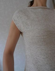 Ravelry: Etty pattern by Caroline Lang (buy) Knit Vest Pattern, Knitting Patterns, Summer Knitting, Knit Or Crochet, Knitting Projects, Knitwear, Clothes, Outfits, Jumpers