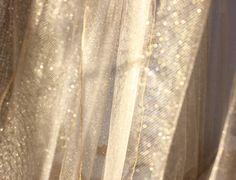 Tulle luccicante per notti preziose!  TINA limited edition - #gold lurex -  #zanzariera #baldacchino #oro #Grigolite