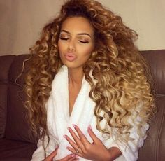 Achieve this look with our Luxury Loosewave Texture at www.LaVidaHairCo.com