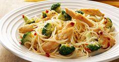 Hot pastaanretning med smeltet ost. Et nemt, hurtigt og lækkert aftensmåltid.