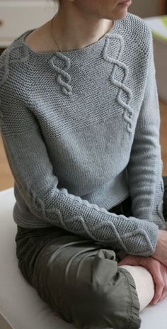 Paneled Solid Twist Casual Knitted Sweater – Jojo Like sweaters kint cardigans hodddies chic Vogue Knitting, Hand Knitting, Cable Knitting, Knitting Sweaters, Pull Torsadé, How To Start Knitting, Casual Sweaters, Knitting Designs, Pulls