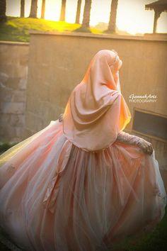Muslimah Wedding Dress, Muslim Wedding Dresses, Hijab Bride, Muslim Brides, Muslim Girls, Muslim Women, Wedding Hijab Styles, Turkish Wedding, Muslim Hijab