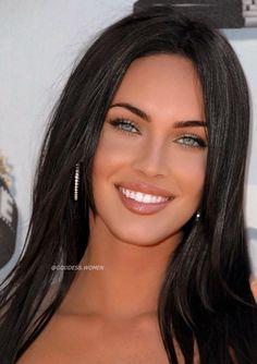Megan Fox Style, Megan Fox Hot, Pretty Girl Face, Pretty Woman, Gorgeous Eyes, Beautiful Smile, Beautiful Women Pictures, Most Beautiful Women, Actrices Sexy