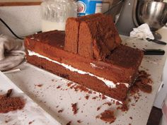 swEEts by e: A Dump Truck Birthday Cake Car Cakes For Boys, Cakes For Men, 3d Cakes, Cupcake Cakes, Monster Truck Birthday Cake, Cake Birthday, Birthday Ideas, Semi Truck Cakes, Blaze Cakes