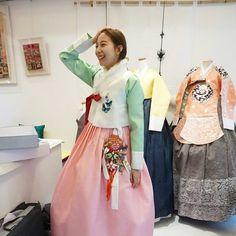 인형같이 예쁘셨던 신부님  #풍경한복  #맞춤한복 #웨딩한복  #신랑신부한복