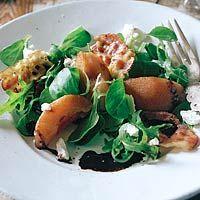 Recept - Lauwwarme salade van stoofpeertjes - Allerhande