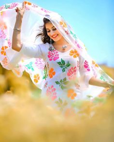 Look Your Absolute Best With These Beauty Tips Cute Girl Poses, Cute Girl Photo, Beautiful Girl Photo, Beautiful Girl Indian, Most Beautiful Indian Actress, Girl Photo Poses, Girl Photography Poses, Romantic Photography, Lovely Girl Image