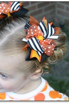 baby hair accessories How To Make Hair Bows for Babies & Hair Bows Out Of Ribbon (EASY DIY) Very cute idea for Halloween hair bows for little girls! Toddler Hair Bows, Baby Hair Bows, Toddler Girls, Baby Girls, Hair Bows For Babies, Bows For Hair, Girls Bows, Diy Halloween Hair Bows, Holiday Hair Bows