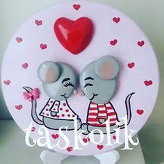 ❤❤❤ #elyapimi #handpainted #handmade #instagood #instaart #loves #sevgililergünü #siparisalinir #sevgiliyehediye #hediyelik #elemeği #decoration #design #creative #tasarım #tasboyama #pebbleart #rockpainting #stoneart #valentinesday #gelindamat #kalp