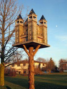 "Extreme Bird House - this is like ""the Downton Abbey"" of birdhouses! Bird House Feeder, Bird Feeders, Fairy Houses, Play Houses, Birdhouse In Your Soul, Purple Martin House, Bird Tables, Bird Boxes, Garden Design"