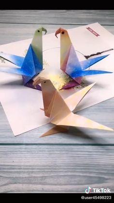 Origami Star Paper, Instruções Origami, Origami And Kirigami, Origami Design, Diy Crafts Butterfly, Easy Origami Animals, Origami Parrot, Paper Crafts For Kids, Ideas