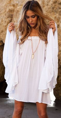 Boho bohemian hippie gypsy style white shirt. For more followwww.pinterest.com/ninayayand stay positively #inspired