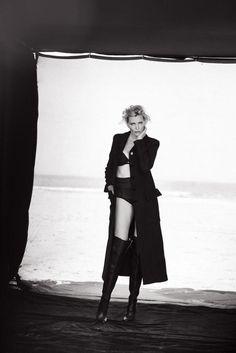 Nadja Auermann - Bekijk Peter Lindbergh's complete 90s supermodel reünie voor Vogue Italia