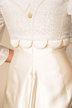 Gössl Online-Shop - Anna Plochl Hochzeitskleid - Braut - Hochzeit Bell Sleeves, Bell Sleeve Top, Anna, Tops, Women, Fashion, Bodice, Outfit Ideas, Moda