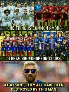 Real true Cristiano Vs Messi, Messi Vs Ronaldo, Lionel Messi, Funny Football Memes, Funny Sports Memes, Messi Soccer, Nike Soccer, Messi Pictures, Cr7 Junior