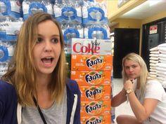 Anna y Rose con Fanta naranja