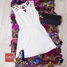 Nos encantó este outfit!!!! Perfecto para una noche muy glam!! Te esperamos en #SandiaStore piso 3, al lado de Aliss