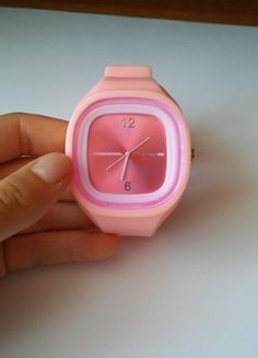 Kup mój przedmiot na #vintedpl http://www.vinted.pl/akcesoria/inne-akcesoria/9967281-gumowy-rozowy-zegarek
