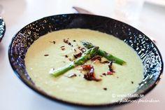 Gårdagens middag blev en smaskig grön sparrissoppa! Åh vad jag älskar grönsaker!! Skulle ALDRIG vilja äta strikt lågkolhydratkost där jag inte kan…
