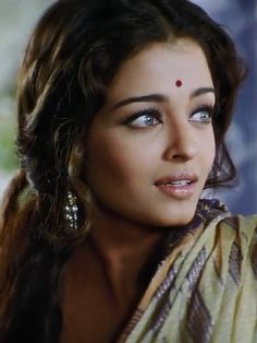 Secrets of Secrets Aishwarya Rai Young, Actress Aishwarya Rai, Aishwarya Rai Bachchan, Bollywood Actress, Most Beautiful Indian Actress, Beautiful Actresses, Most Beautiful Women, Bollywood Wedding, Vintage Bollywood