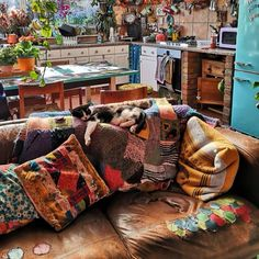 Colorful Apartment, Maximalism, Bohemian House, Boho Kitchen, Dream Apartment, Cozy Room, Home And Deco, Dream Decor, House Rooms