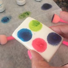 How to make paint palettes for your PYO (paint your own) cookies. They're usually much neater...hard to do with one hand!   #sugarcravings #decoratedcookies #customcookies #paintyourowncookies #theprocess