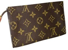 Louis Vuitton Cosmetic Pouch Flat Clutch Cosmetic Case. Free shipping and guaranteed authenticity on Louis Vuitton Cosmetic Pouch Flat Clutch Cosmetic Case at Tradesy. Pouch can be used for cosmetics in handbag or carr...