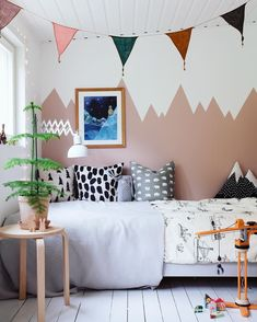 Children room Inspiration / Wall painting / Styling ideas